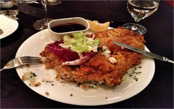 Veal schnitzel at ARAZ